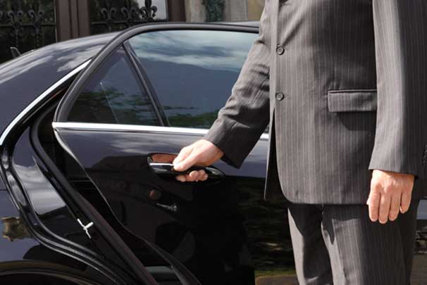 Essential Functions of Airport Transfer Paris